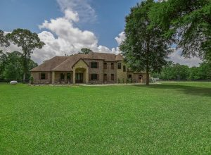 42015 Mill Creek Road front ext